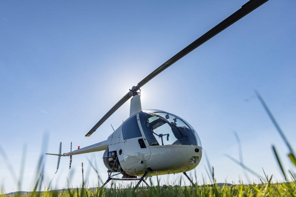 Helicopters - ROBINSON RH22 - Mont Blanc Hélicoptères Paris